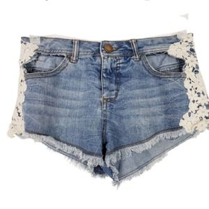 2/$20 No Boundries Altered Shorts Jean Lace